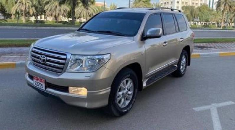 للبيع استيشن لاندكروزر موديل 2011  GXR V6 رقم 1 بدون حوادث في ابوظبي