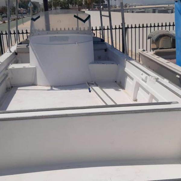 للبيع قارب الكبيسي ٣٩قدم+عربانه٤٠قدم فيه خزان ماء